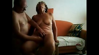 Old slut having great orgasm. Real amateur