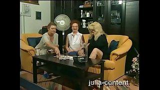 Grandmas do threesome Sex