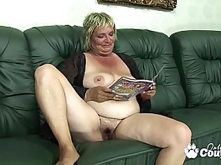 Dumpy mature blondie sucking and banging on couch