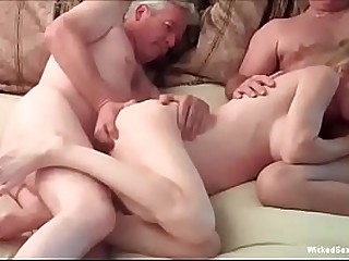 Amateur GILF Does her Best Sex Here