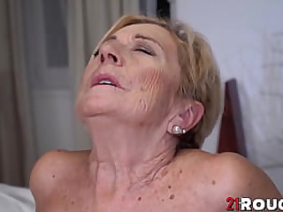 Kinky blonde granny pussy stretched hard