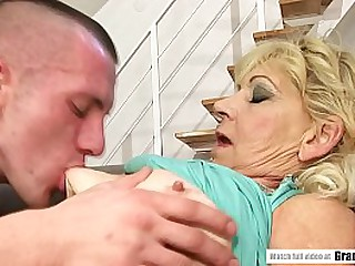 Furry mature pussy banged hard