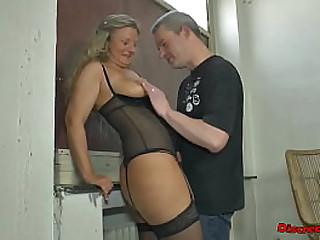 Skinny granny get sperm all over her face and long golden shower