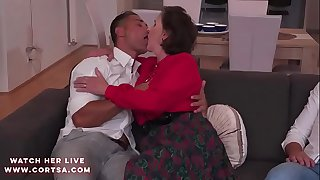Granny Amelia in hot anal dp action